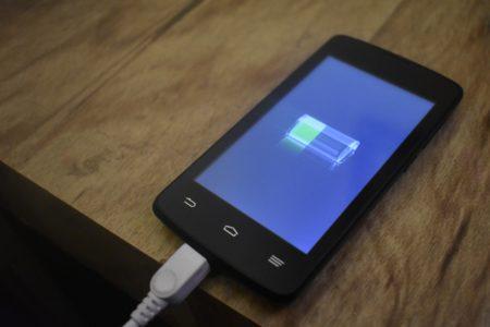任天堂Switchも充電可能なモバイルバッテリーが万能すぎる。おすすめ厳選!